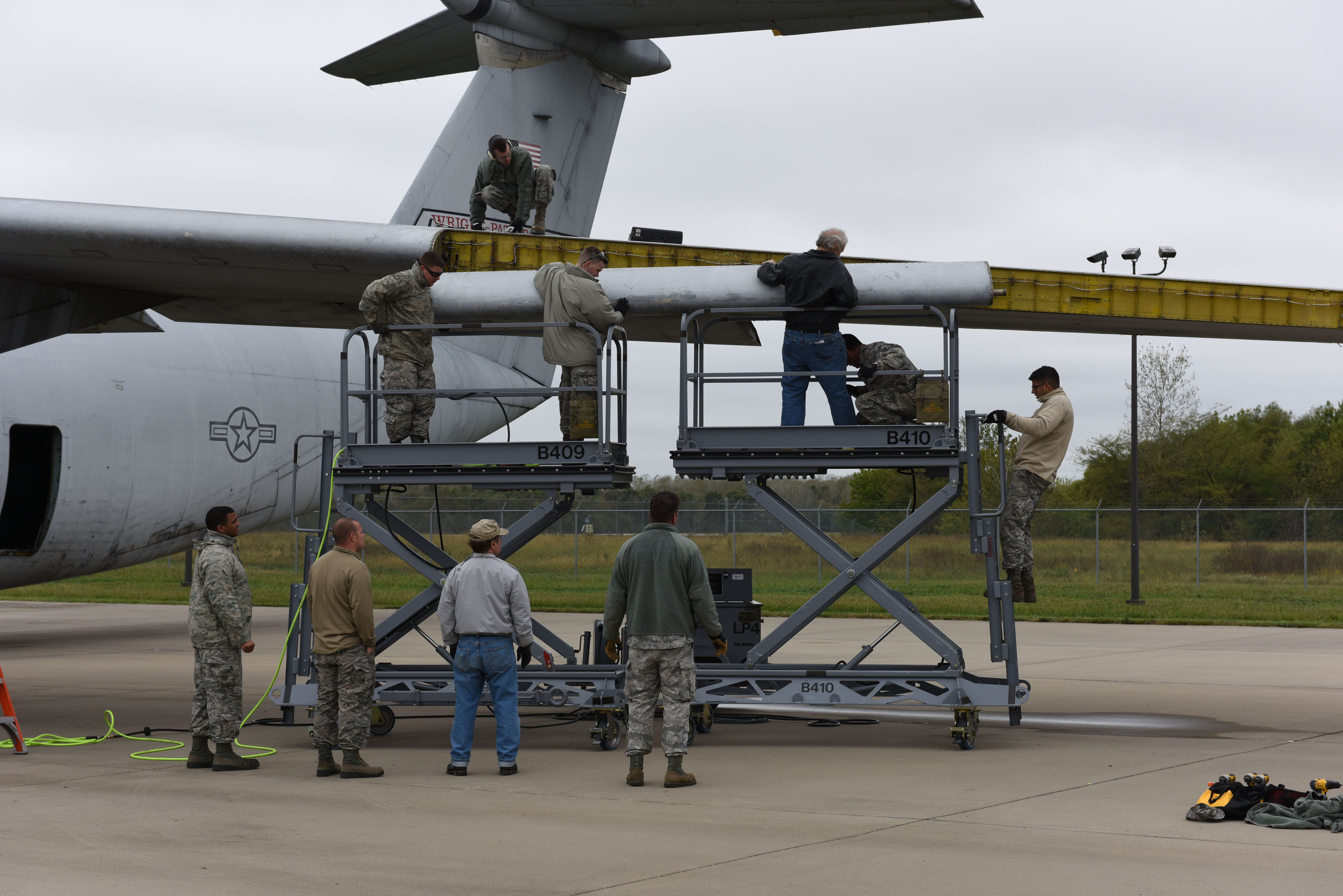 126 MXG Assists with C-141 Restoration